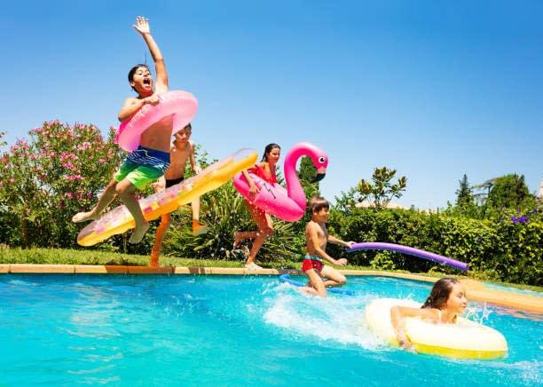 ? Crazy Pool Bday Party !?